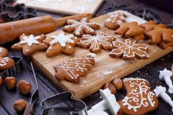 Homemeade gingerbread...the first sign of Winter!